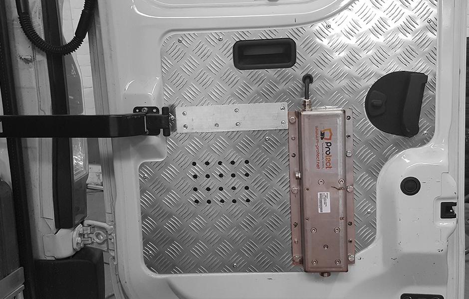 limolock_slide - M-protect - Secure load space - Secure cargo - Secure van
